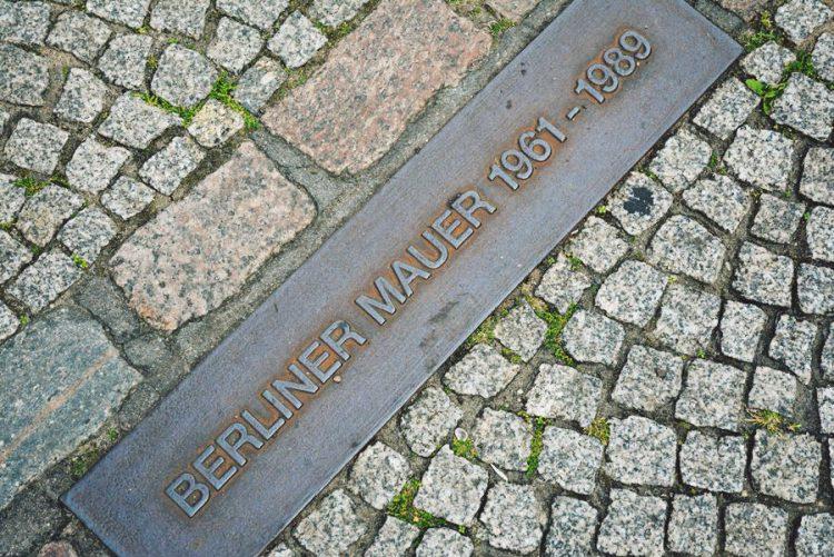 Berliner Mauer - 1961-1989 - Peón al paso